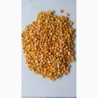 Кукуруза фуражная, шрот (соевый, подсолнечный), жмыхи, пивная дробина