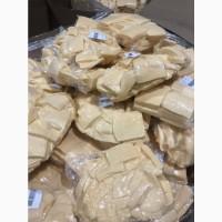 Организация реализует сыр для промпереработки.Сыры твердые для продажи.Сырный продукт